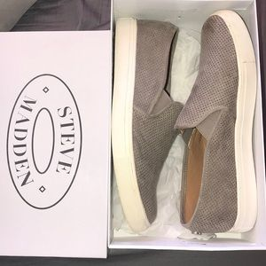 Worn once Steve Madden tan suede sneakers